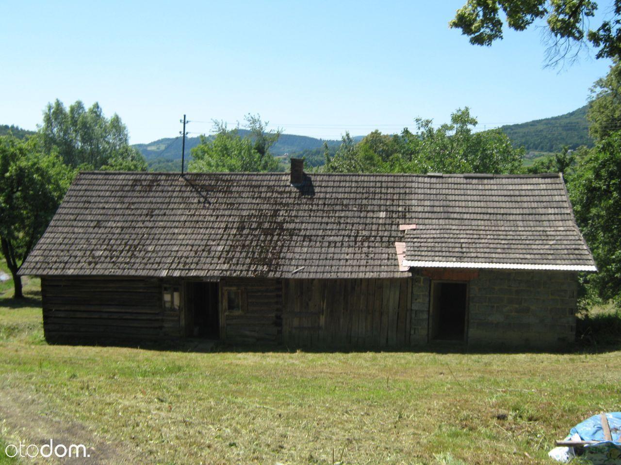 Dom drewniany w górach z dużą działką