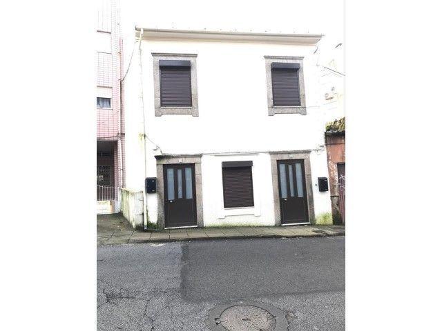 Moradia em Rio Tinto (Gondomar - Porto) composta por dois apartamentos