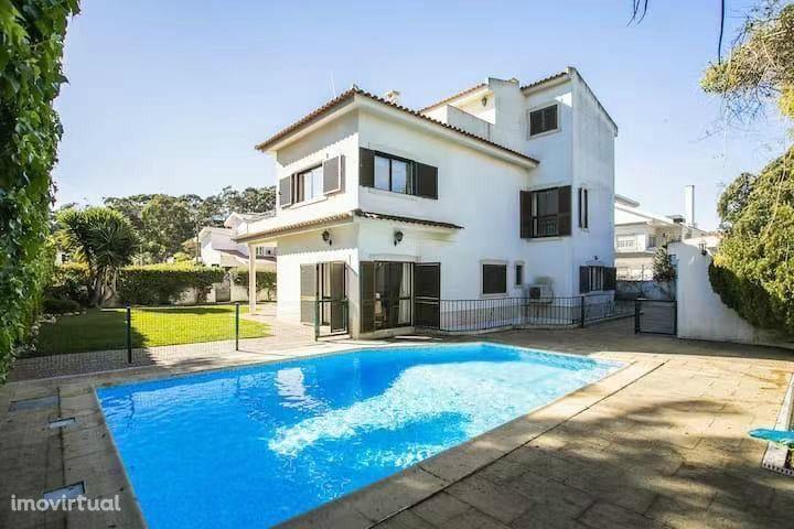 Moradia Independente T6 c/ piscina, Oeiras