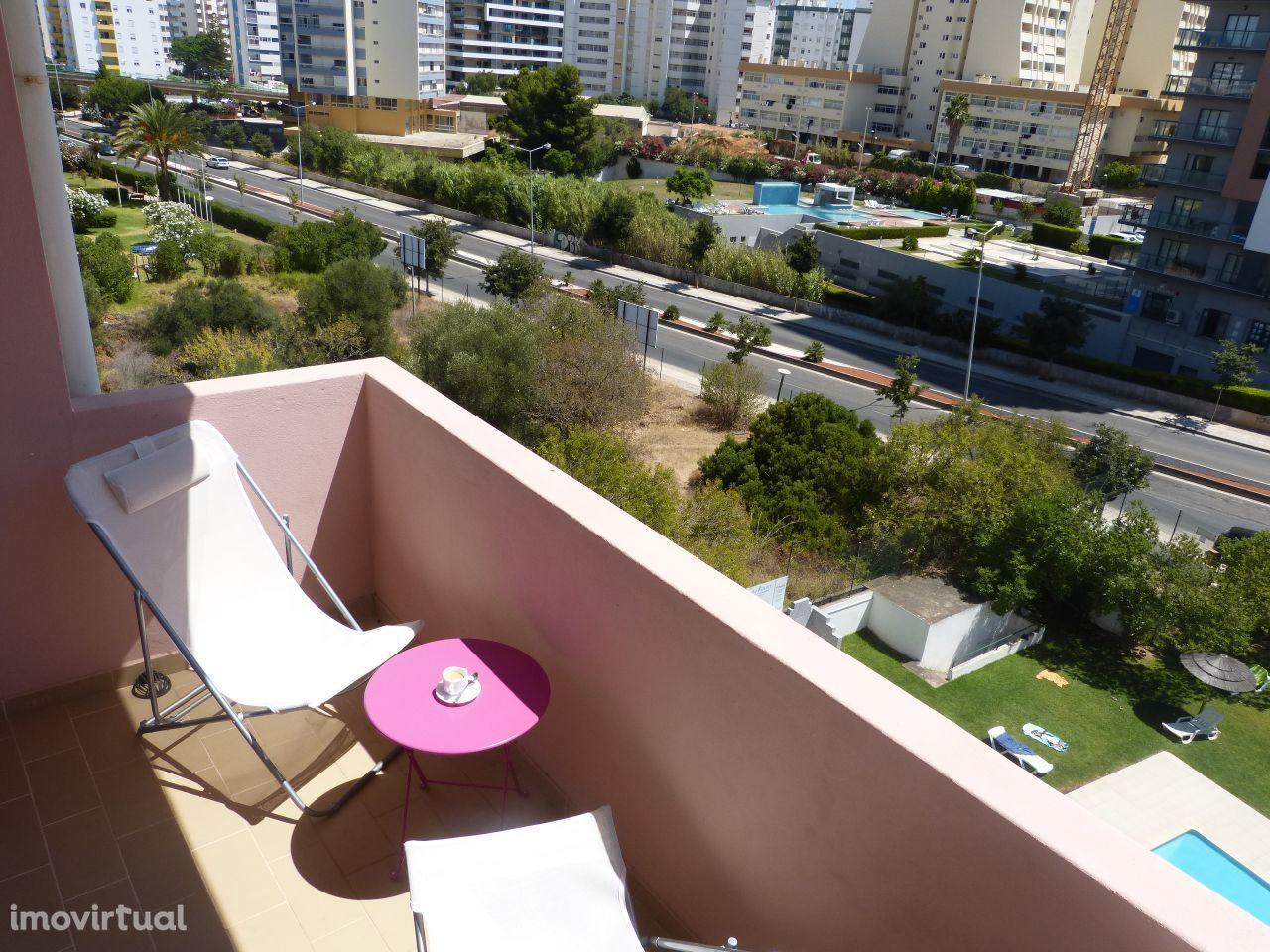 Apartamento T1 - Praia da Rocha (aluguer de 1 ano ou mais)