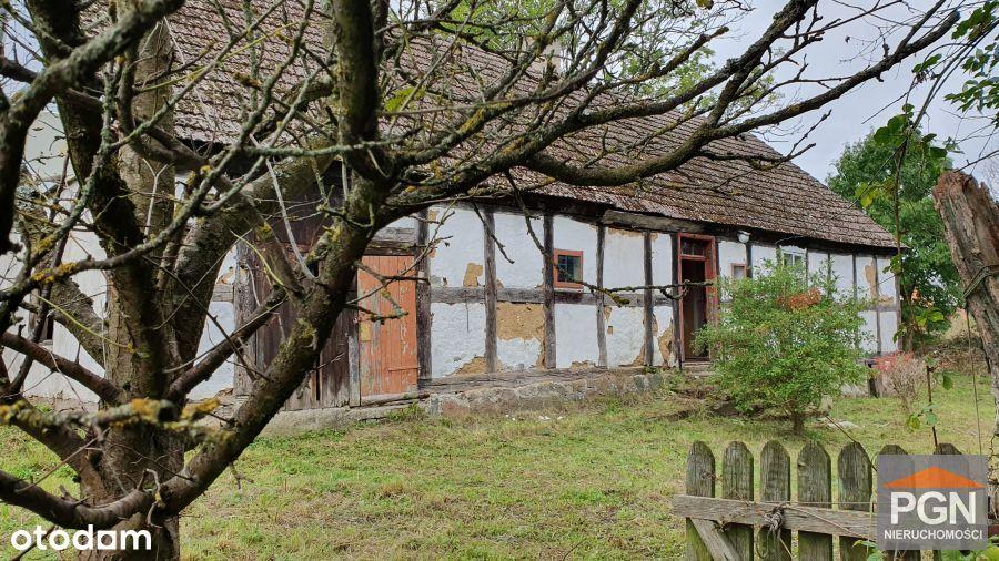 Szachulcowy dom na wsi - okolica Gryfic