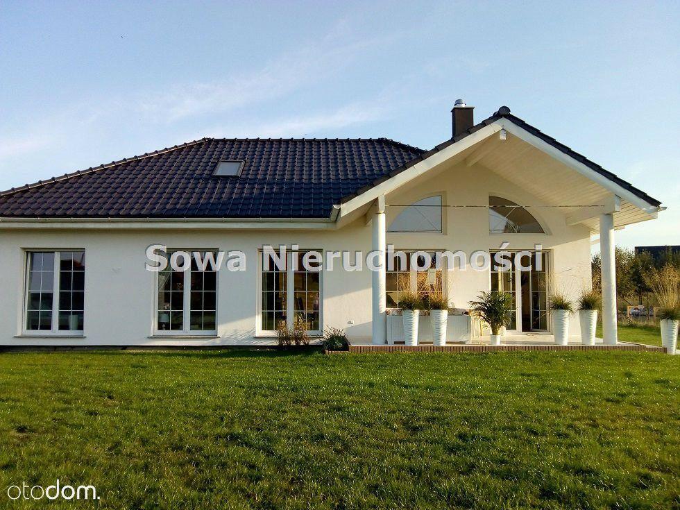 Dom, 230 m², Żarów