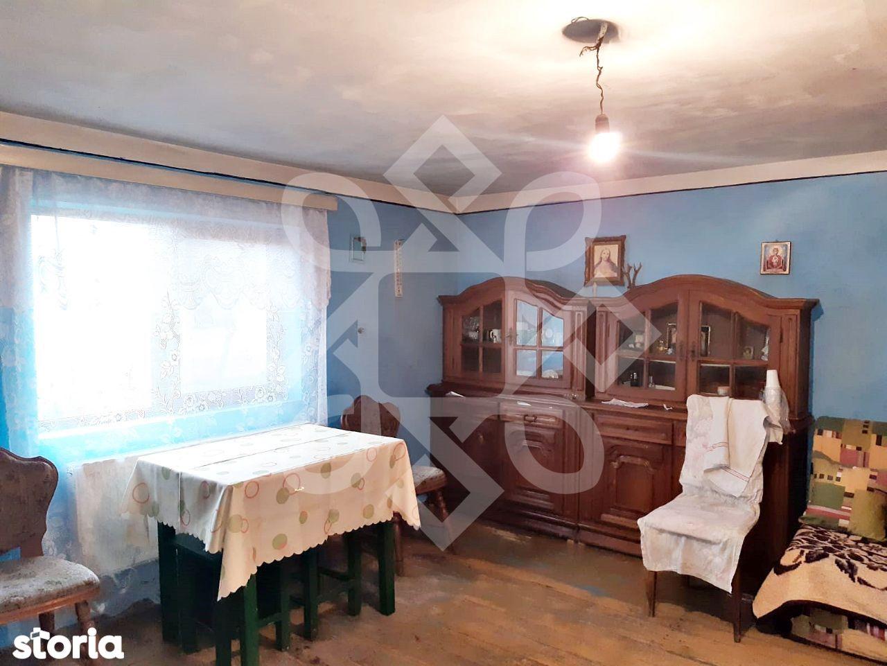 Case cu teren de vanzare, sat Dumbrava, Holod, Bihor