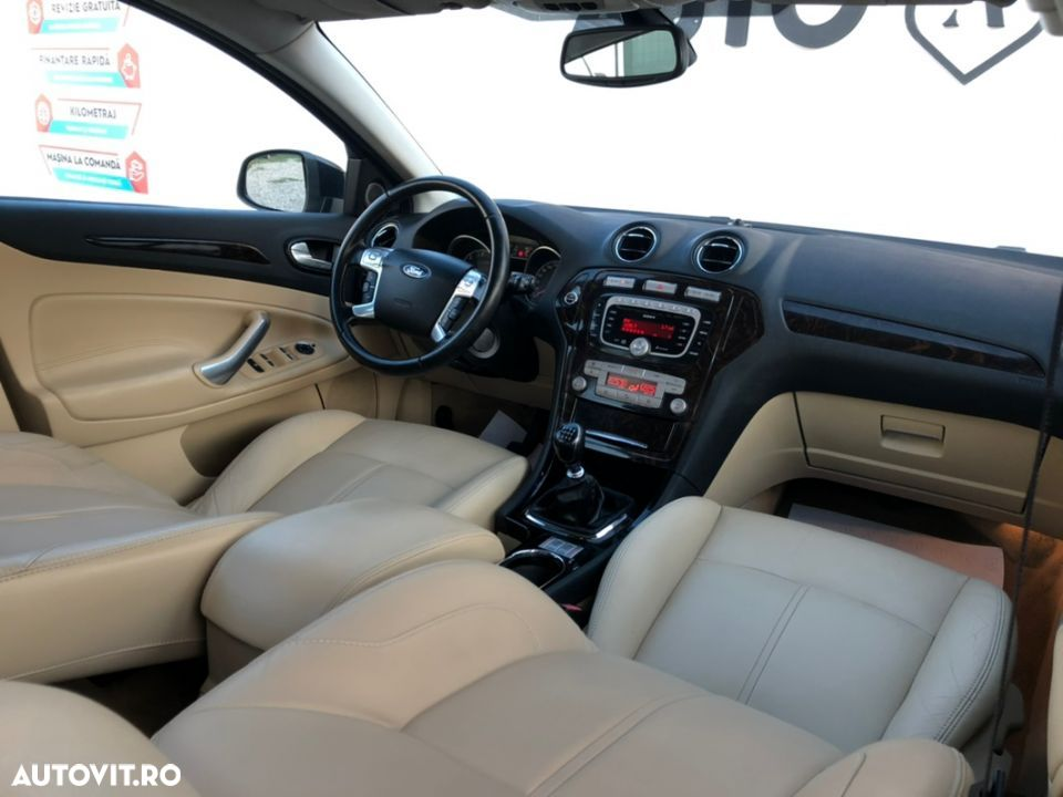 Ford Mondeo 1.8 - 19