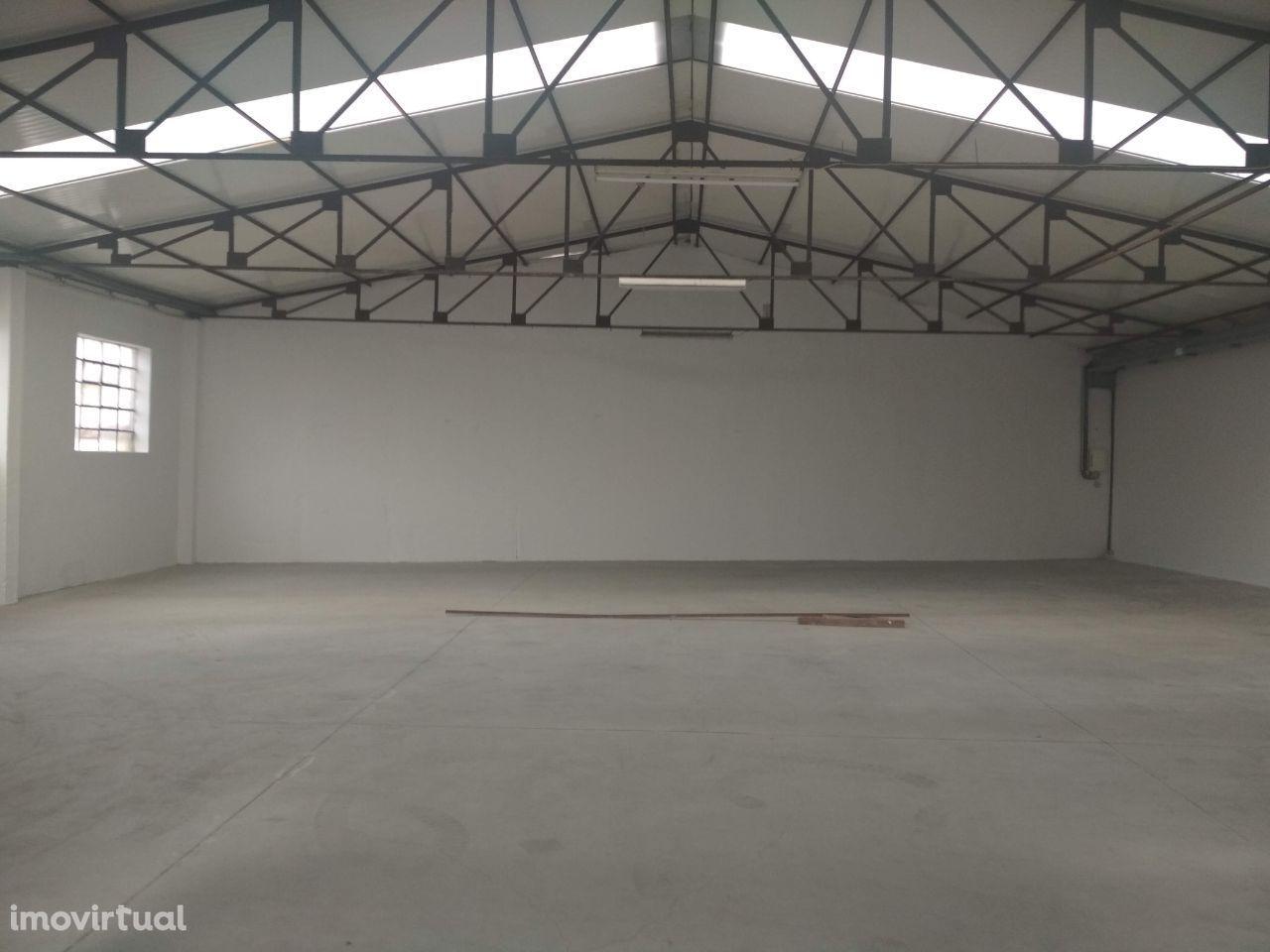 Armazém com 500 m2