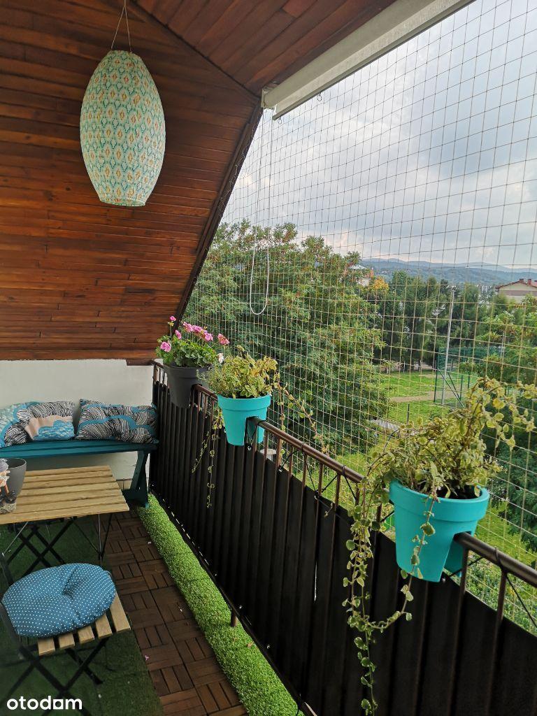 przytulne mieszkanie z dużym balkonem