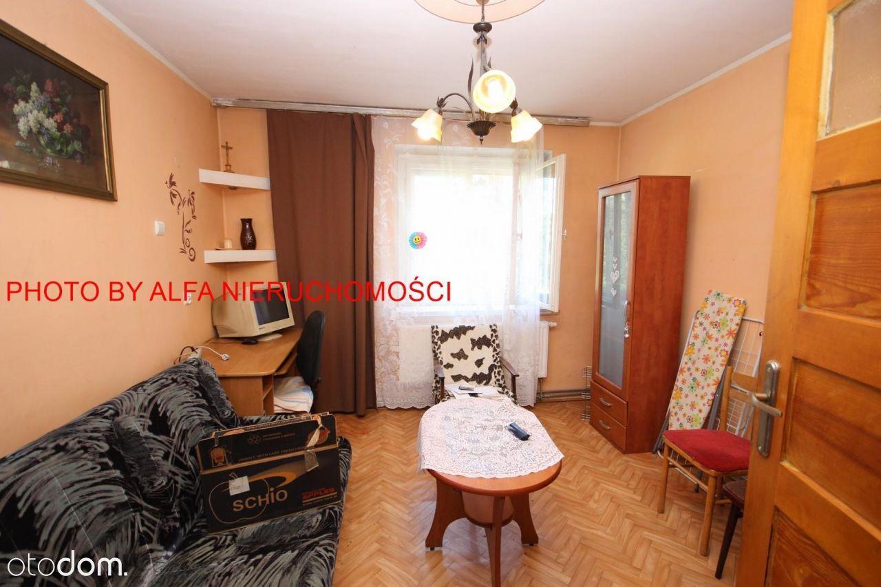 Mieszkanie na I piętrze z c.O miejskim