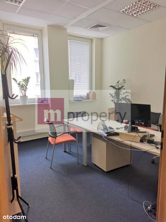Znakomite Biuro - całe piętro w biurowcu