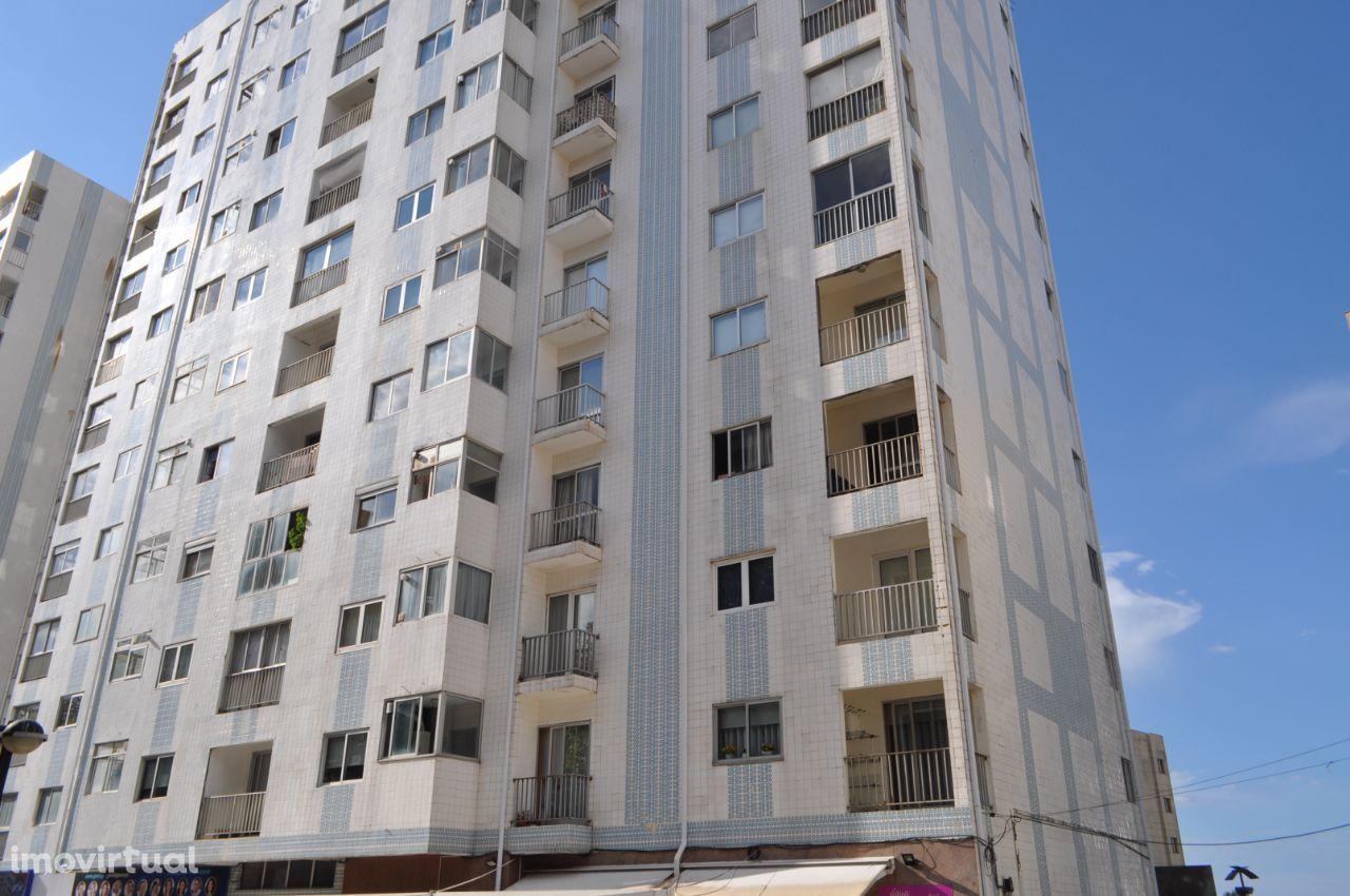 Apartamento T2 (c/ garagem) - Centro Póvoa de Varzim
