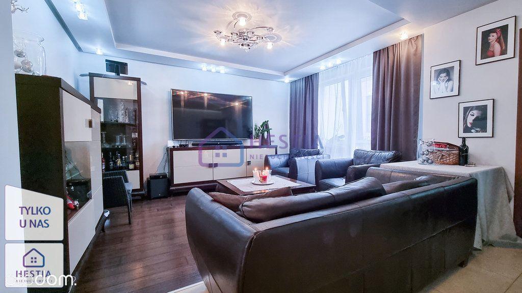 Atrakcyjne mieszkanie!!! Piękny widok na Ratusz!!!