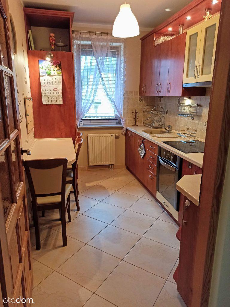Mieszkanie 2 pok. Oddzielna kuchnia balkon