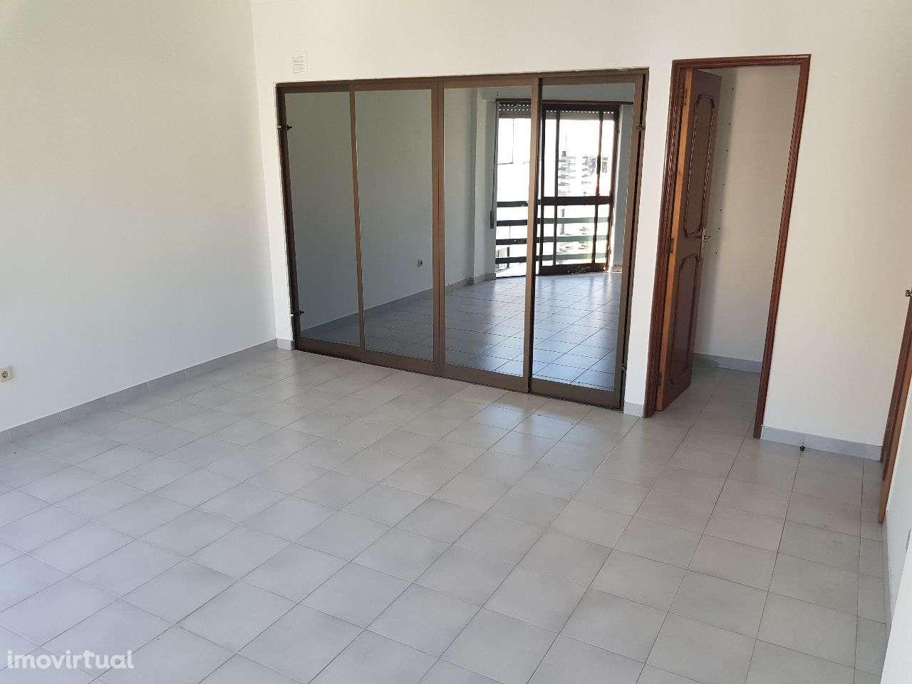 Apartamento para arrendar, Santarém (Marvila), Santa Iria da Ribeira de Santarém, Santarém (São Salvador) e Santarém (São Nicolau), Santarém - Foto 3