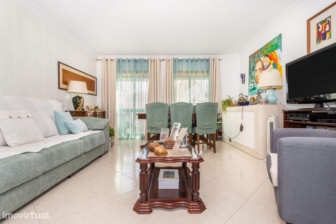 Apartamento T2 Quinta dos Fidalguinhos – Barreiro – 153.000€