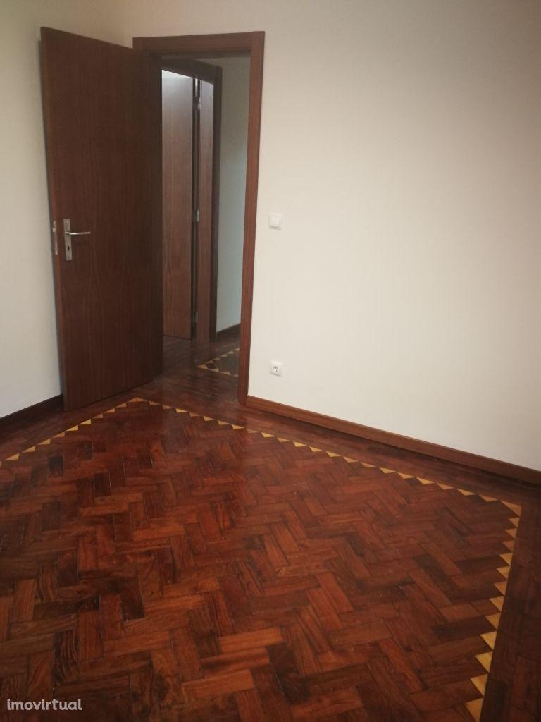 Apartamento T2+1 em Almada. Ref. 5736