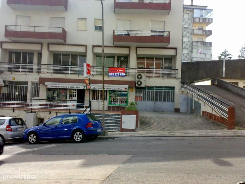 Escritório à entrada da cidade