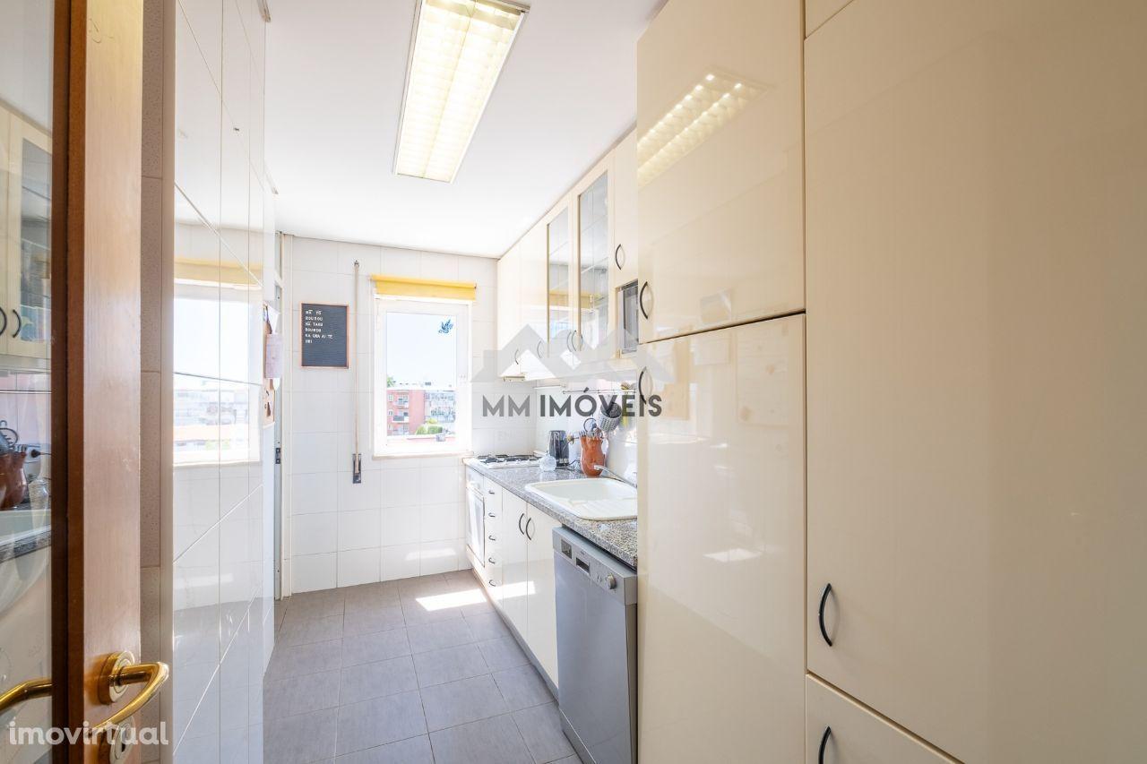 Apartamento T2   Ramalde   Garagem   Metro   Oportunidade