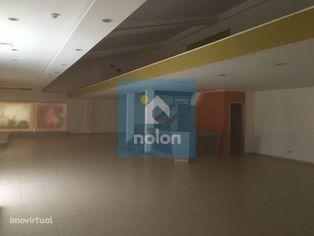 Loja, 100 m2