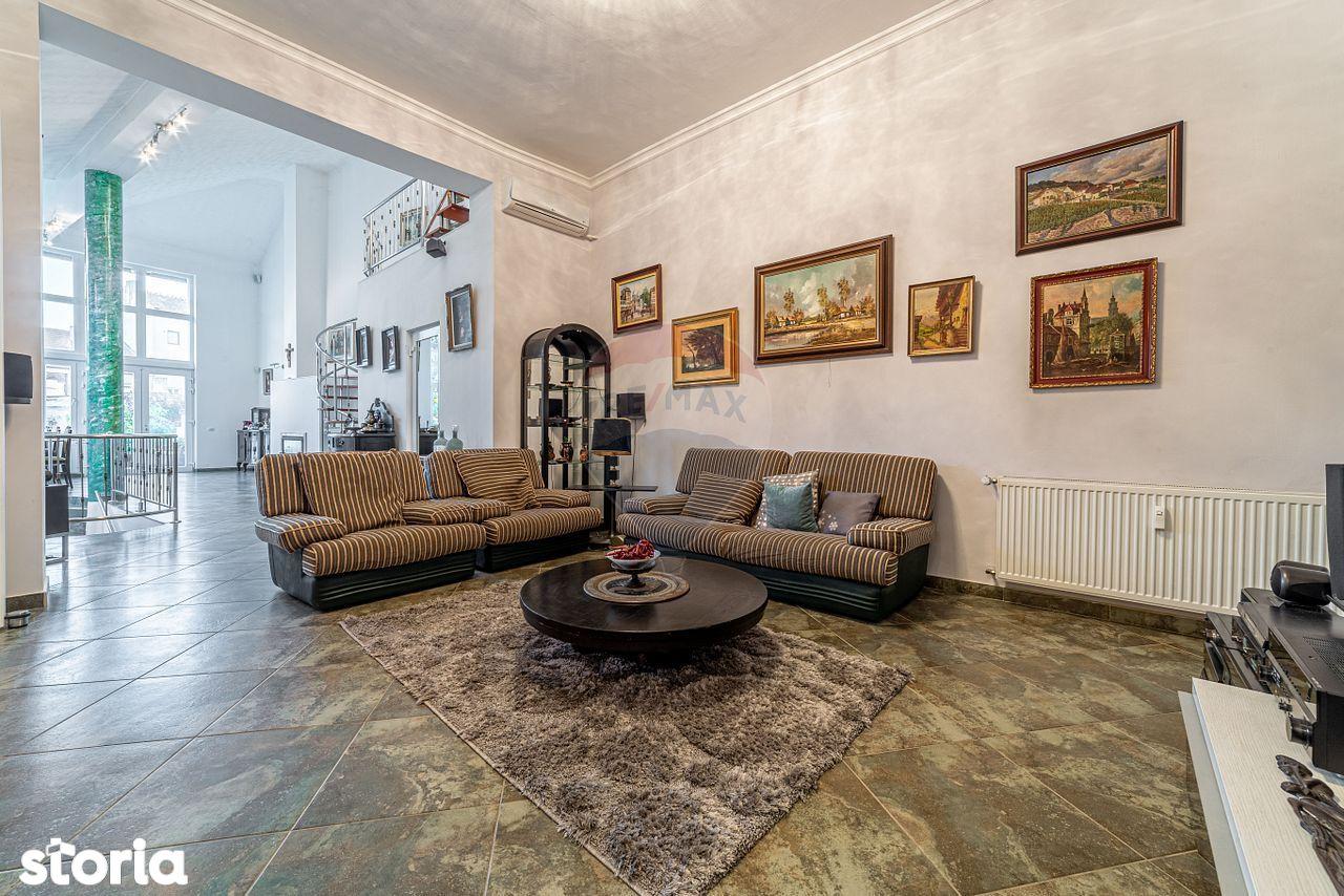 Casă / Vilă cu 6 camere de închiriat în zonă Ultracentral Arad