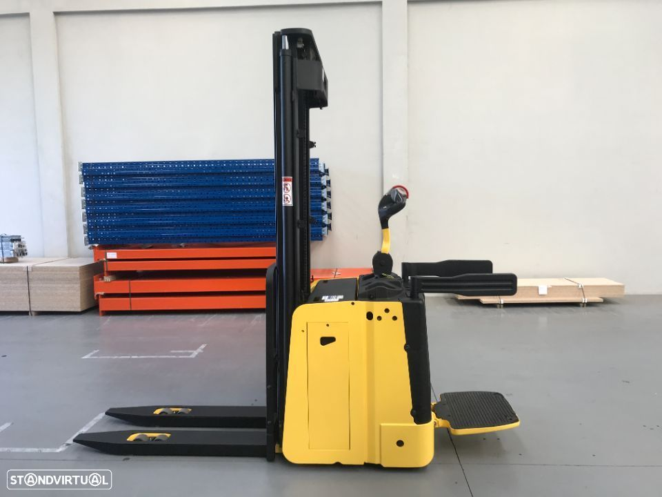 Hyster Stacker Hyster 1500 Kgs Eléctrico - 3