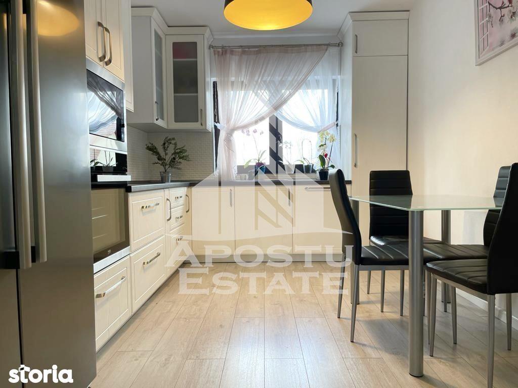 Duplex cu 3 camere, Sanmihaiu Roman