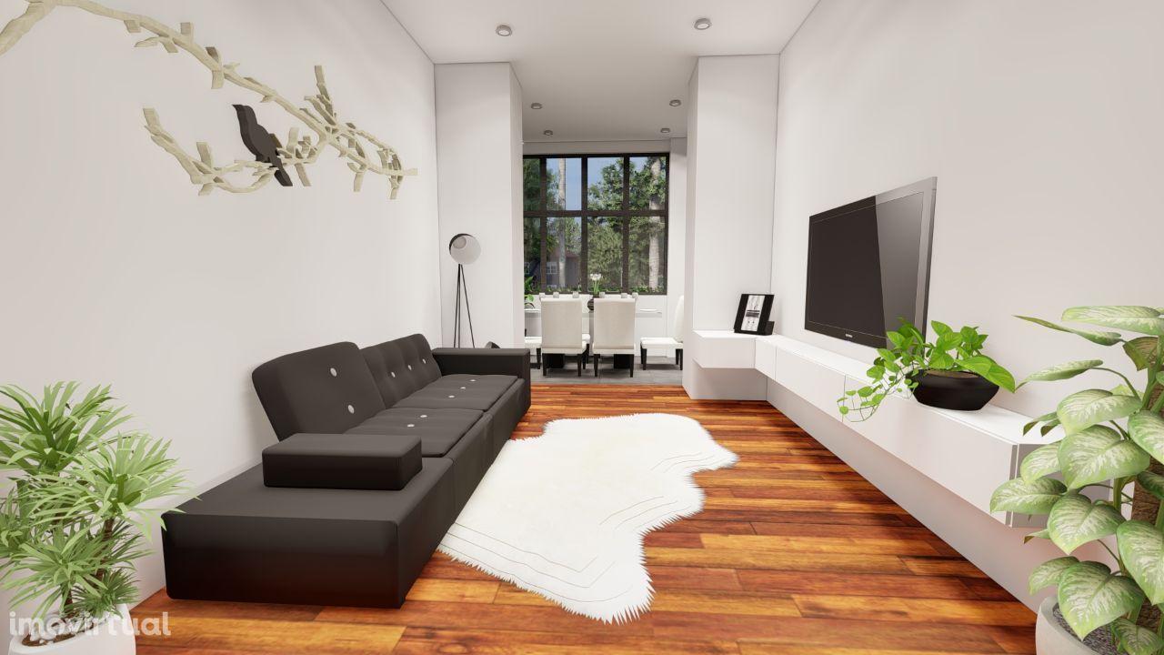 Apartamento T3 com varanda em Campo de Ourique