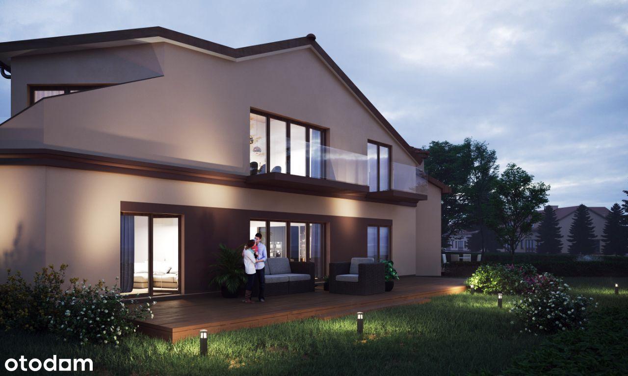 Dom trójkąt z dużą działką -5 pok. szklane balkony