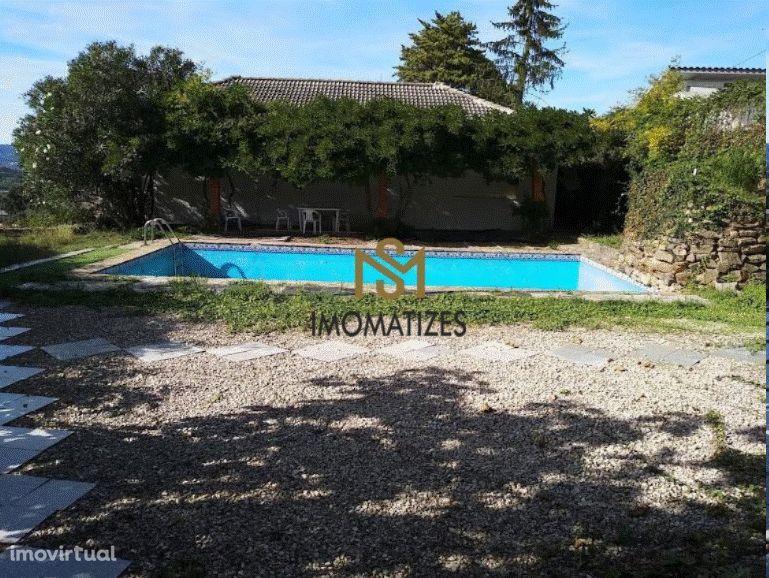 Casa Térrea T6 em Castélo de Paiva terreno com 1600m2