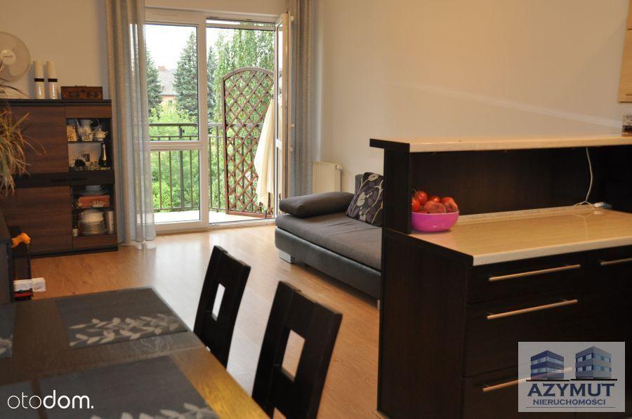 Mieszkanie 3pok z balkonem, II piętro