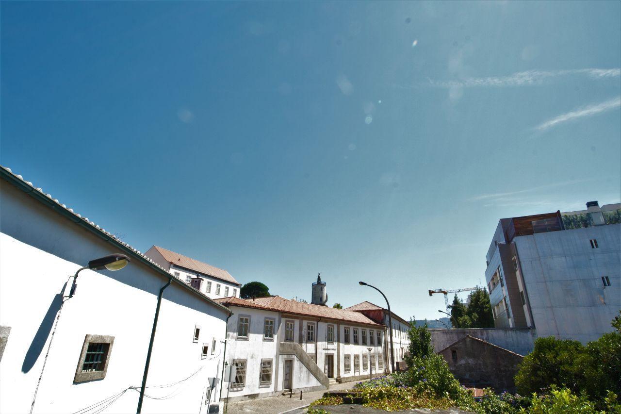 Prédio 8 Quartos - São Vicente