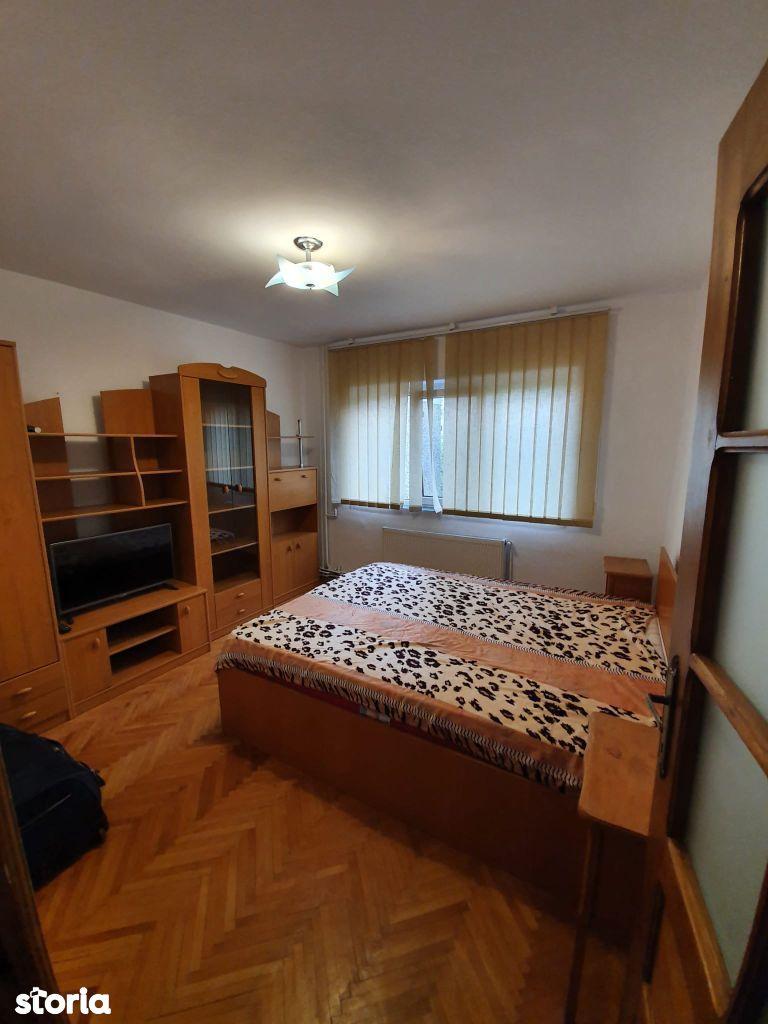 Aradului, Apartament 2 camere, decomandat