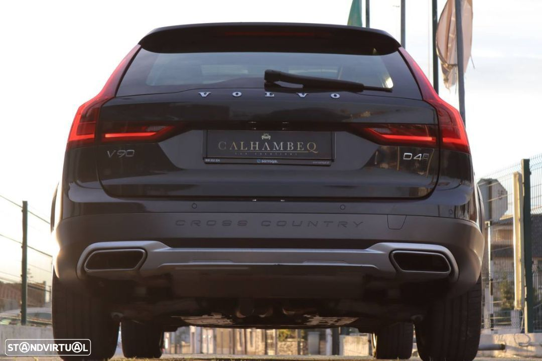Volvo V90 Cross Country 2.0 D4 Pro AWD Geartronic - 8