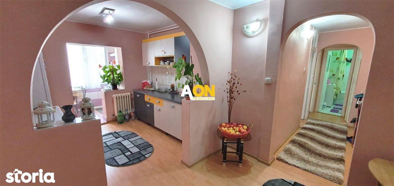 Apartament 3 camere, etaj 1, mobilat, cu boxa, Ampoi 3