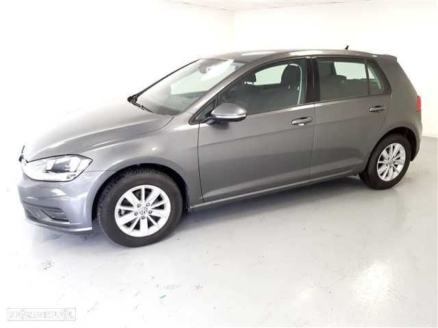 VW Golf 1.0 TSI Trendline Pack - 5