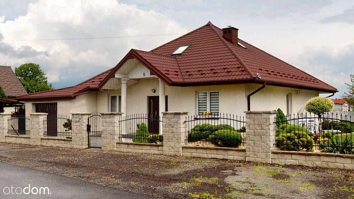 Kompletnie wyposażony dom z Basenem! Niskie opłaty