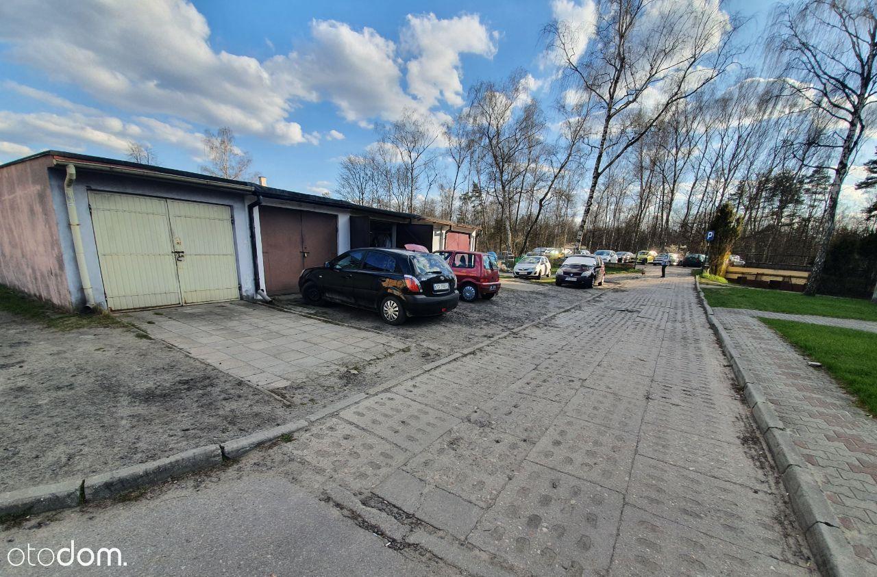 Sprzedam garaż + miejsce postojowe środek osiedla