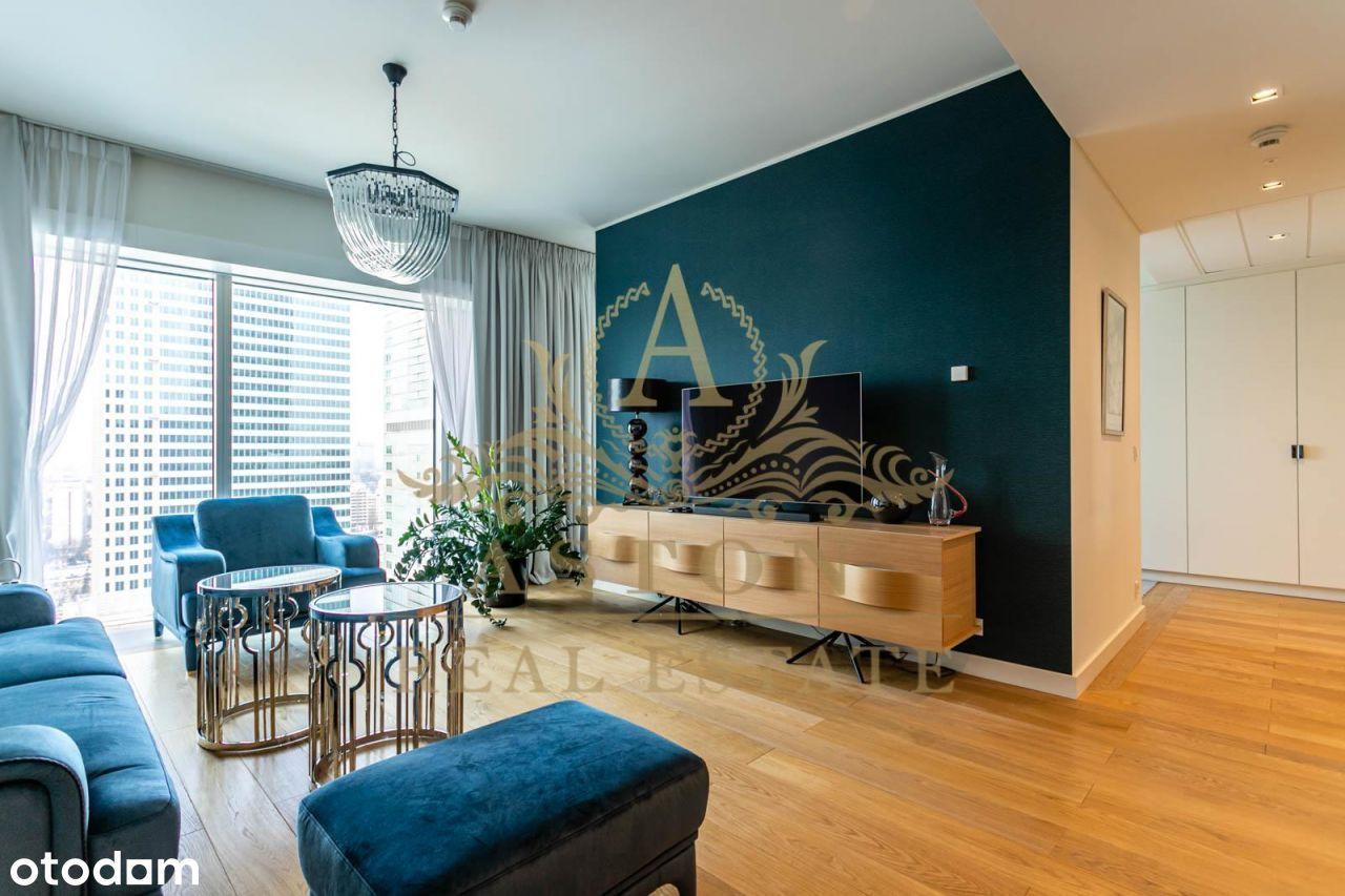 Luxury apartment on 21st floor on Złota 44