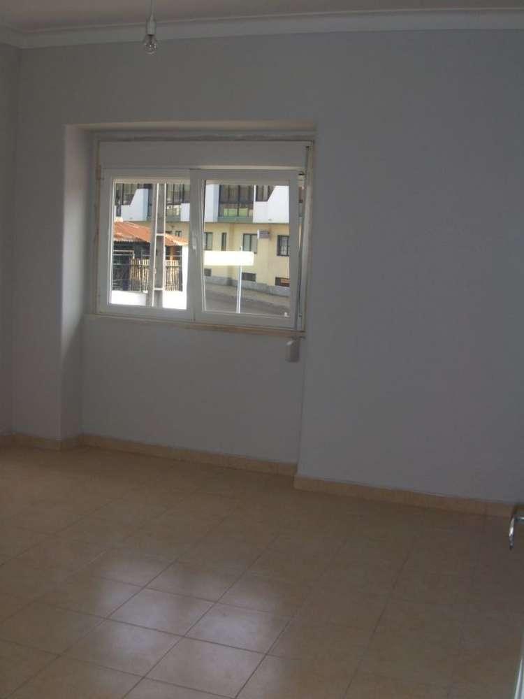 Quarto para arrendar, Rua João Villaret, Laranjeiro e Feijó - Foto 3