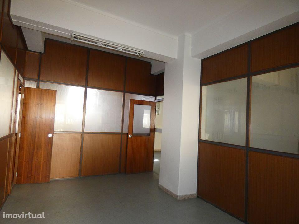 Loja para arrendar, Alcobaça e Vestiaria, Alcobaça, Leiria - Foto 8
