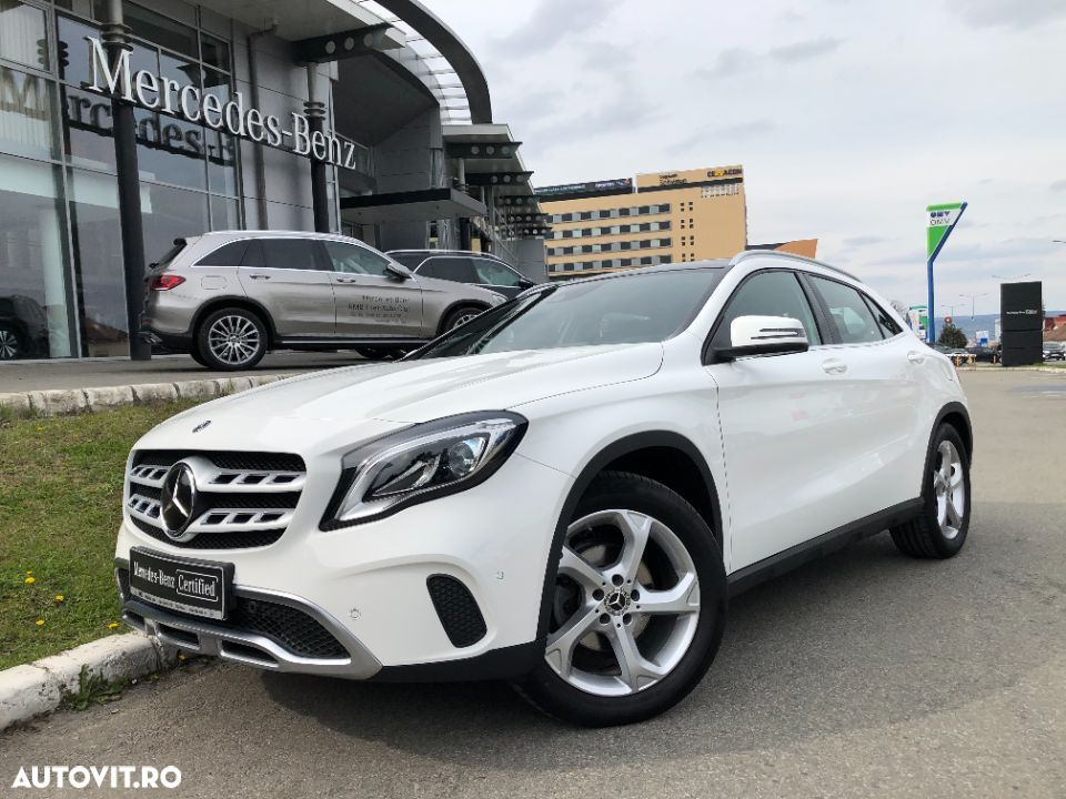 Mercedes-Benz GLA - 10
