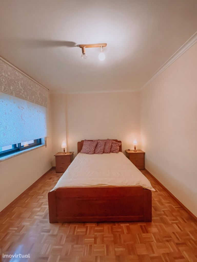 Arrenda-se quarto mobilado a jovem estudante/trabalhador São Marcos
