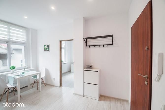 Mieszkanie, 27 m², Bytom