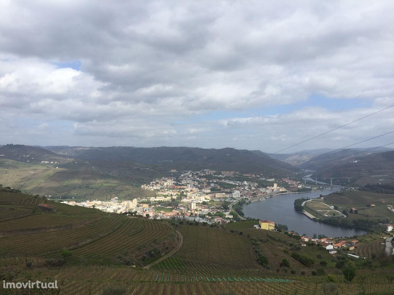 Vende-se Terreno com projecto aprovado para Hotel 4 Estrelas no Douro