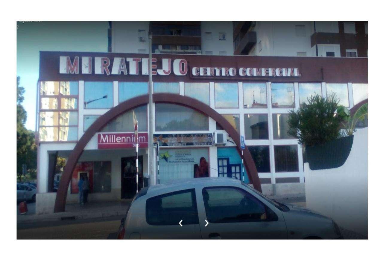 Loja para comprar, Corroios, Setúbal - Foto 1