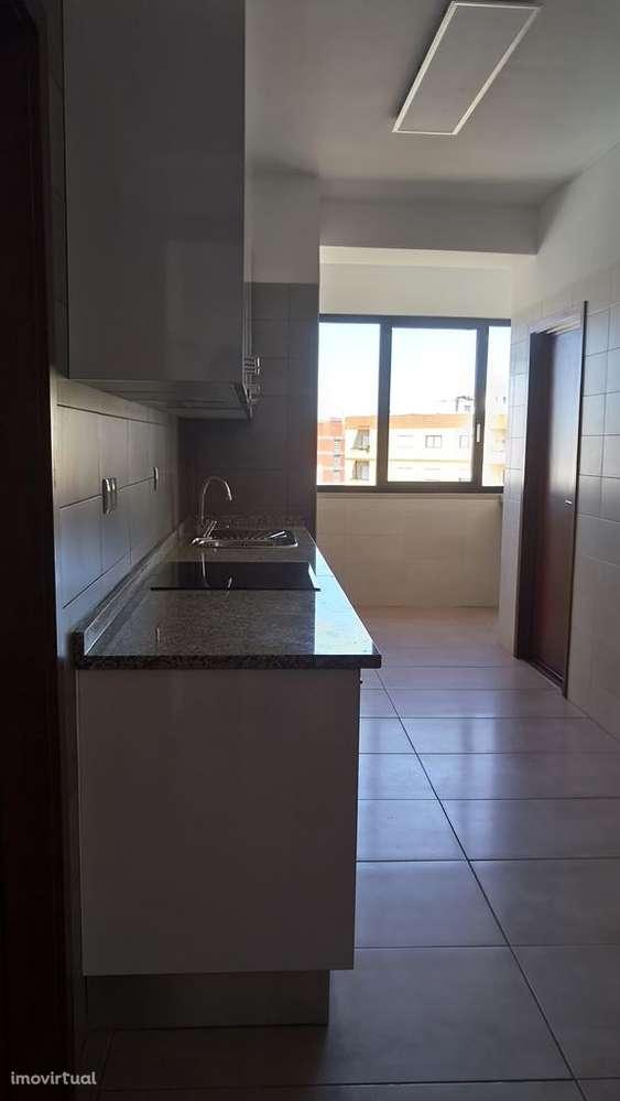 be56d647069d Casas para alugar: Arrendar apartamento em Vila Nova de Gaia, Porto ...