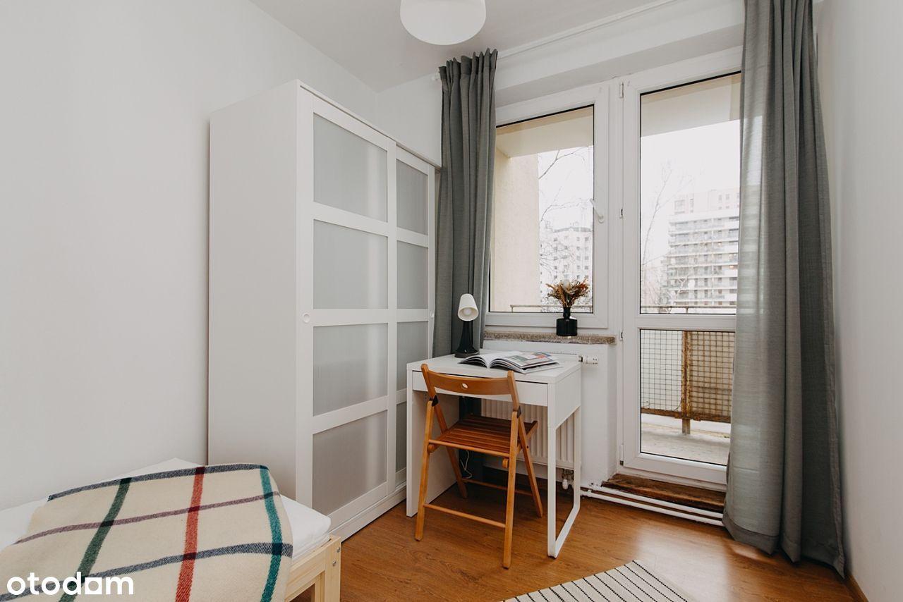 Przytulny pokój z balkonem 100m od metra Imielin