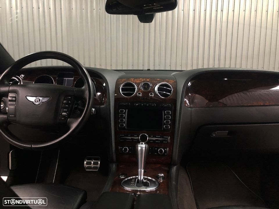 Bentley Continental GT 6.0L W12 - 32