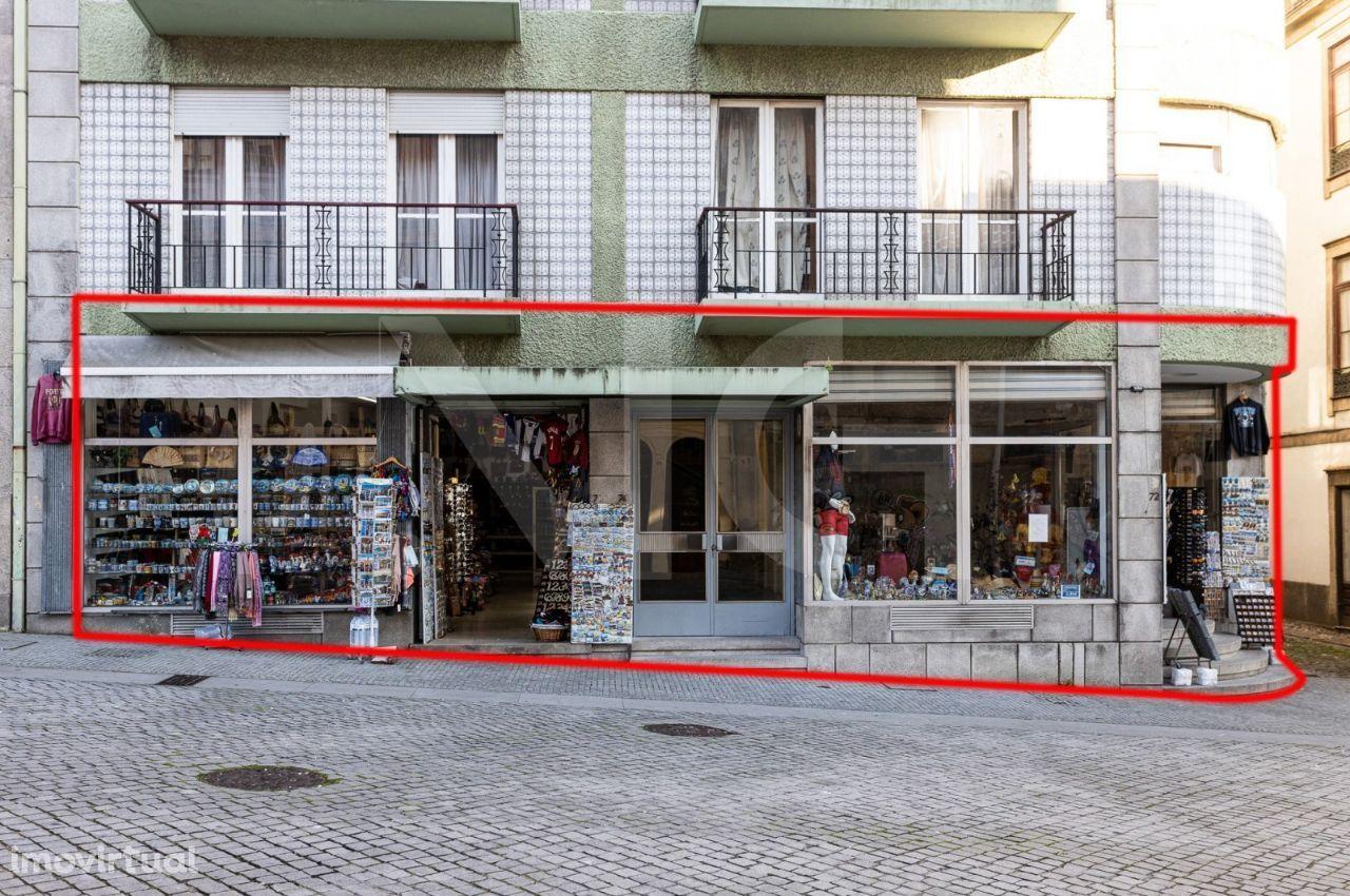 Espaço Comercial e Armazém no Centro Histórico do Porto