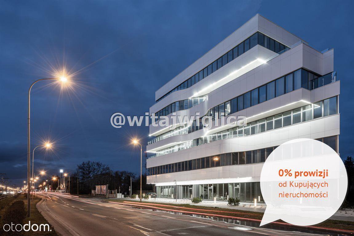 Narożny moduł biurowy z balkonem 27 m2
