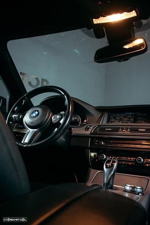 BMW 535 d Touring XDrive Pack M Auto - 14