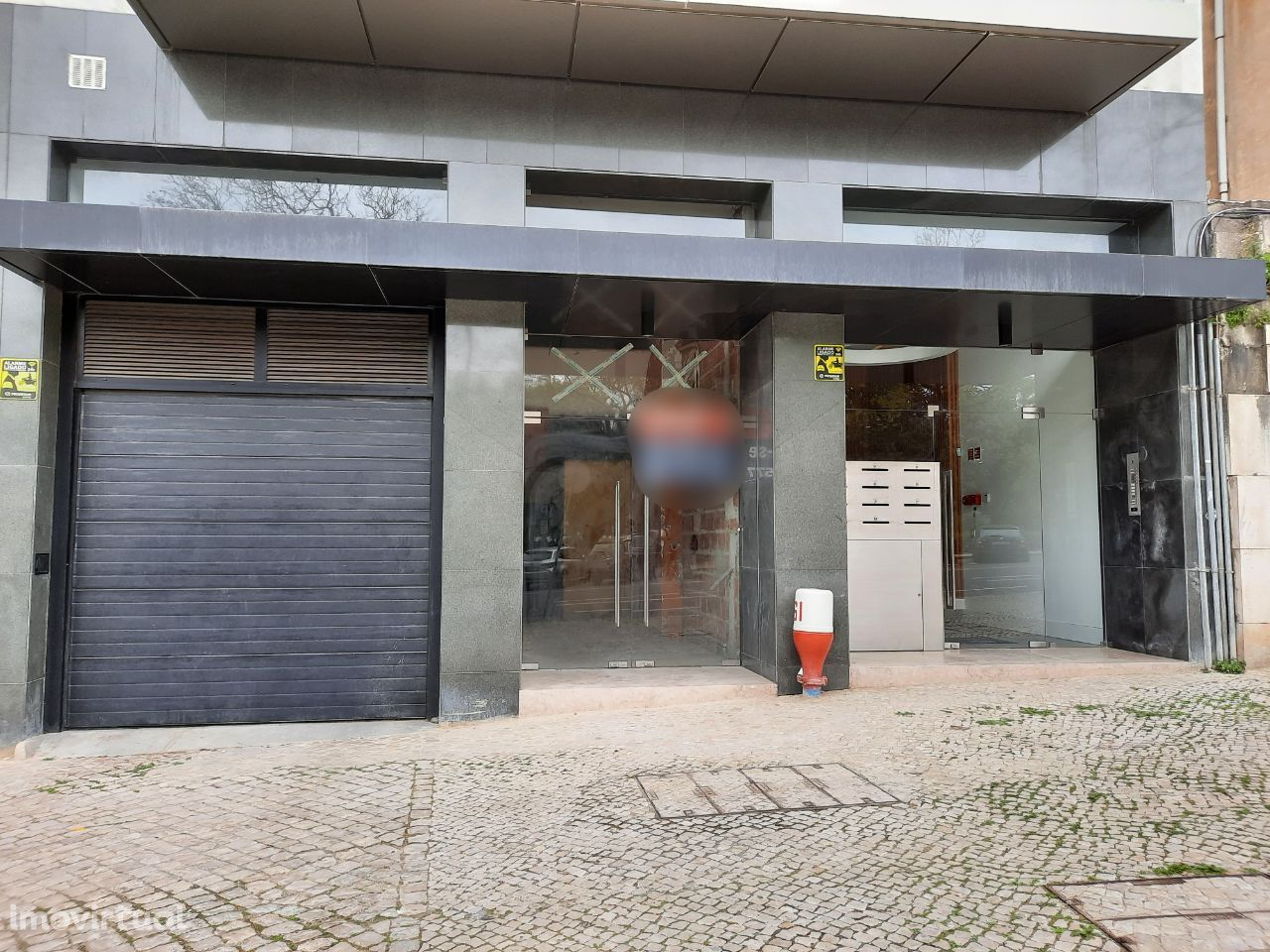 Arrendar Loja Lisboa | 465 m2 | Parque Ed. VII